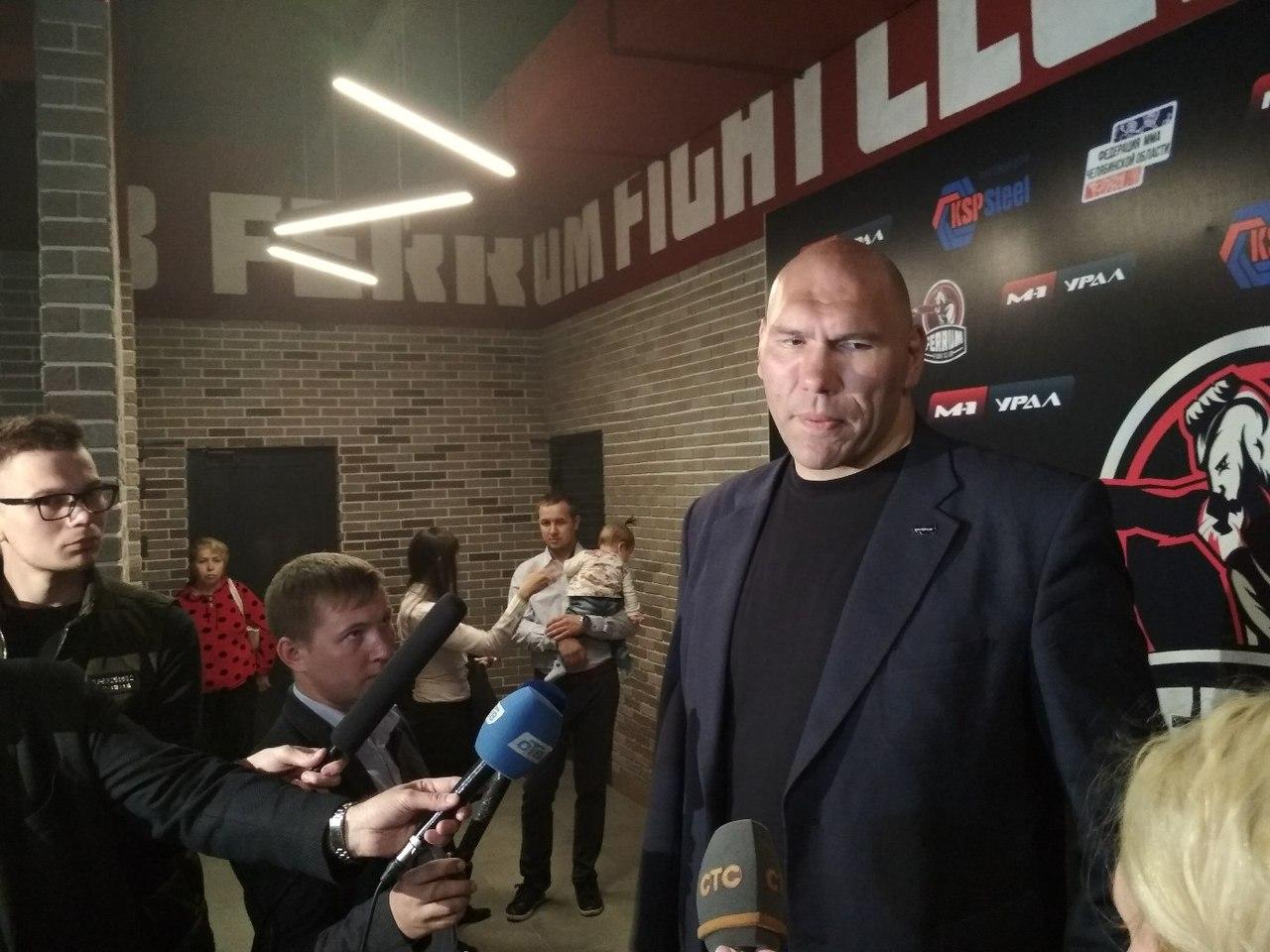 Николай Валуев на открытие зала MMA в Челябинске
